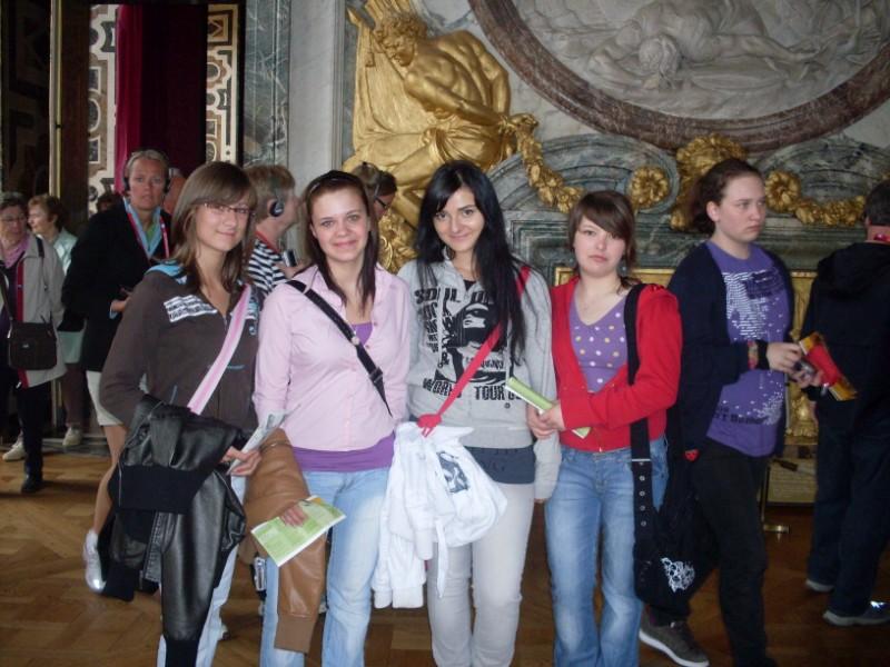 004. A Versailles