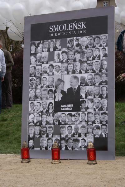 01. Pour rendre hommage aux victime de Katyn