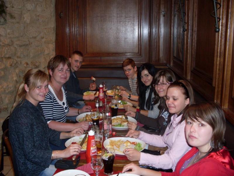010. Au restaurant de la Fontaine bd St Michel