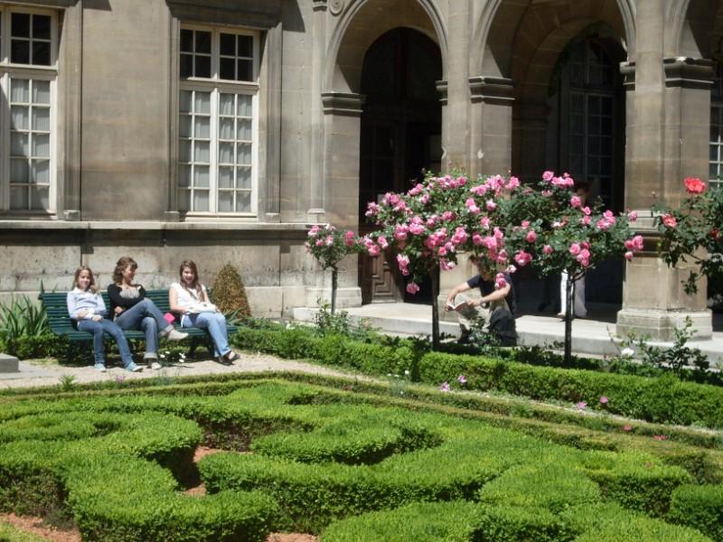 017. Les jardins du Musee Carnavalet