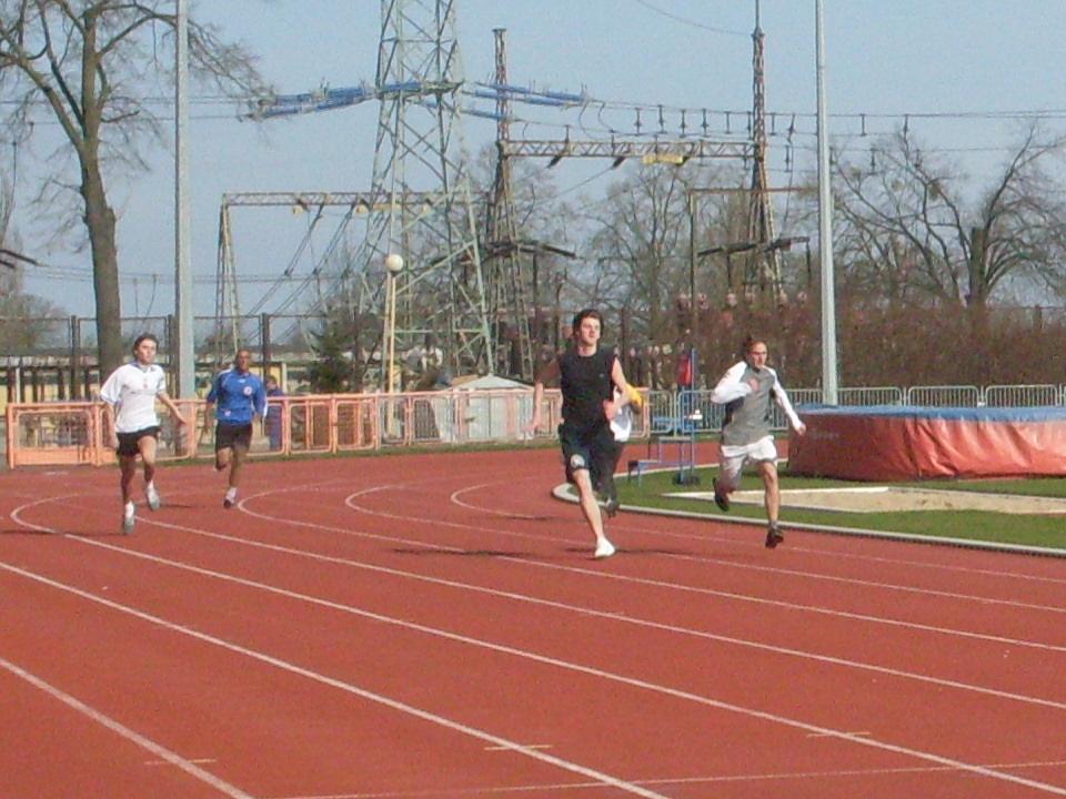 10. 100m masculin