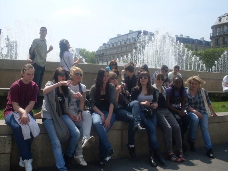 18. Pause vor dem Pariser Rathaus